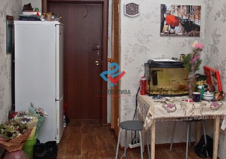 Продаётся комната в 6-комн. квартире