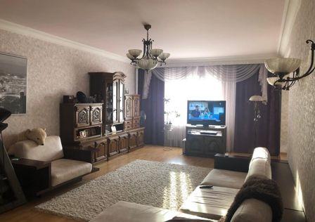Продаётся 4-комнатная квартира, 124.6 м²