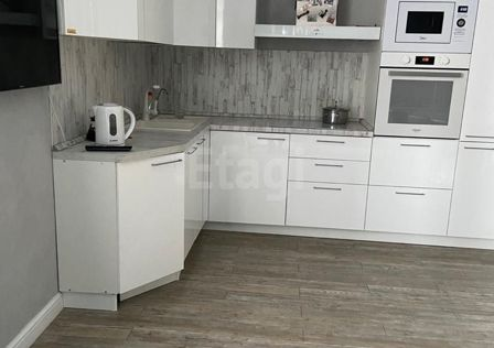 Продаётся 2-комнатная квартира, 79 м²