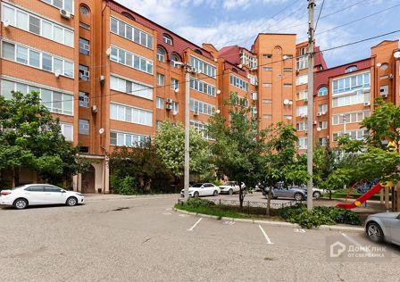 Продаётся 5-комнатная квартира, 208.2 м²