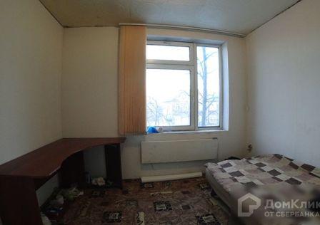 Продаётся комната в 8-комн. квартире