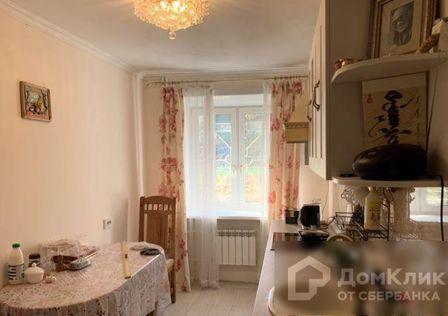 Продаётся 4-комнатная квартира, 64 м²