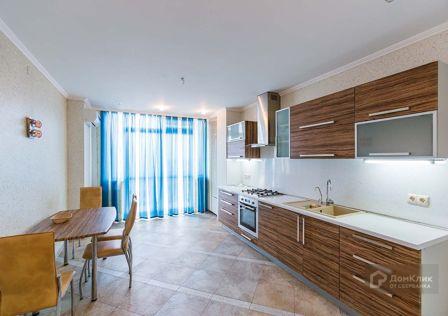 Продаётся 2-комнатная квартира, 110 м²