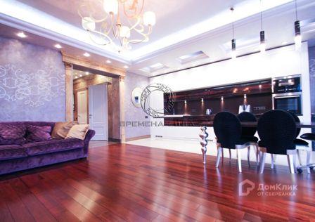 Продаётся 3-комнатная квартира, 121.2 м²