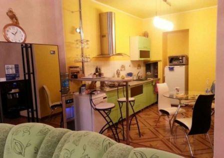 Продаётся 2-комнатная квартира, 91 м²