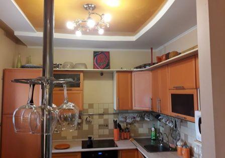 Продаётся 5-комнатная квартира, 178.7 м²