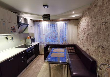 Продаётся 4-комнатная квартира, 79.1 м²