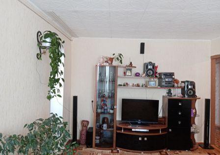 Продаётся 4-комнатная квартира, 70.7 м²