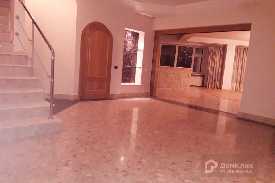 Продаётся 2-комнатная квартира, 436.7 м²