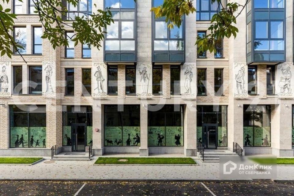 Продаётся 3-комнатная квартира, 139 м²