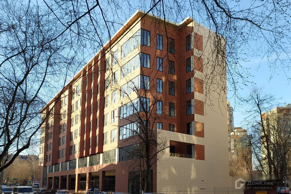 Продаётся 4-комнатная квартира, 130.9 м²