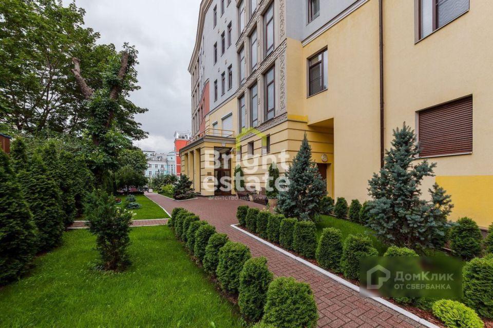 Продаётся 5-комнатная квартира, 264 м²