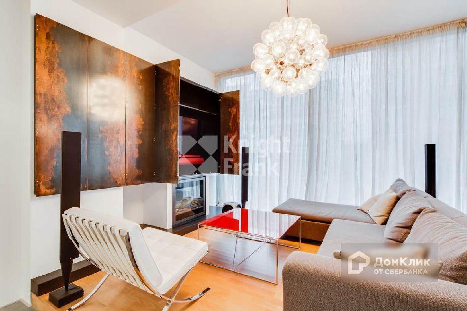 Продаётся 3-комнатная квартира, 169 м²