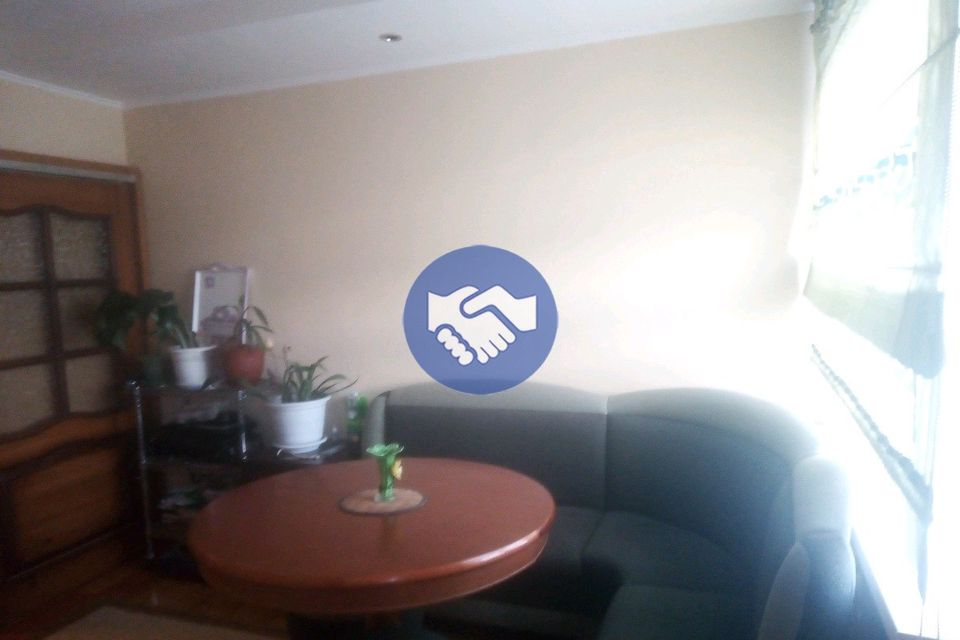 Продаётся 4-комнатная квартира, 65 м²