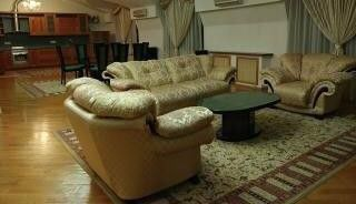 Продаётся 5-комнатная квартира, 292.9 м²