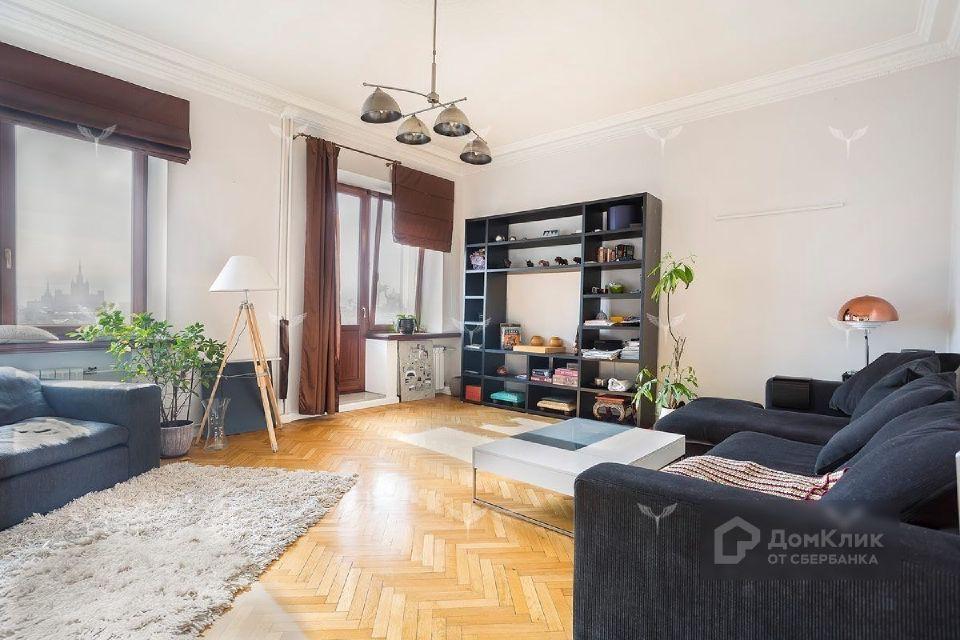 Продаётся 4-комнатная квартира, 151.4 м²