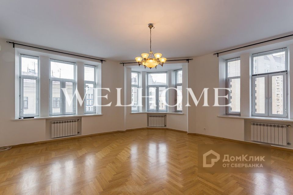 Продаётся 6-комнатная квартира, 233.3 м²